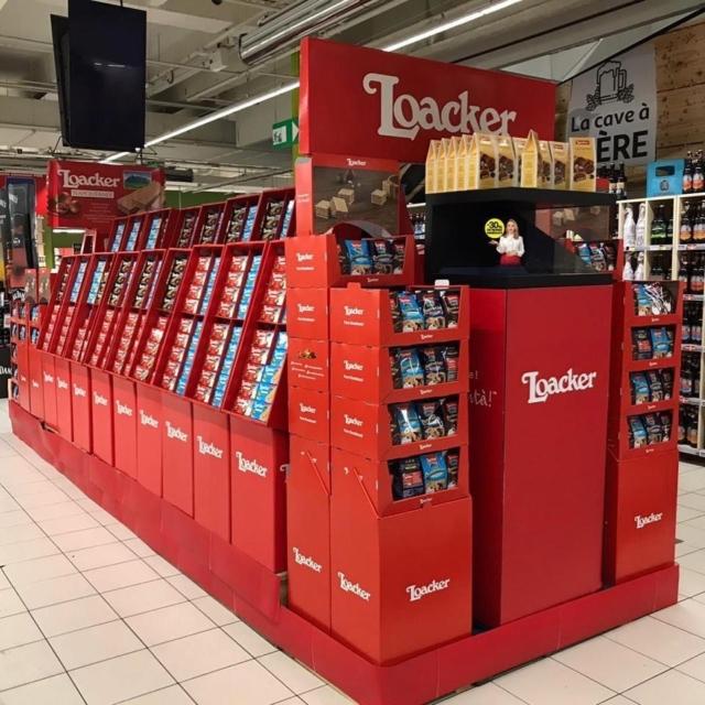 Nouvelle installation holographique visible chez Auchan Velizy 2 pour @loacker les meilleures gaufrettes du monde #auchan #food #hologramme #loacker #waffles #gaufrettes @auchan_france