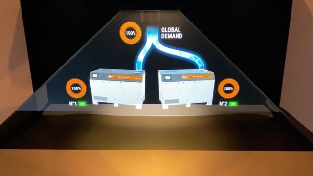 Hologramme pour Busch France S.A.S. Présentant leur nouvelle pompe à vide pour l'industrie #busch #industrie #hologram #display #holographic #design #3d #merchandising #medical #pompe
