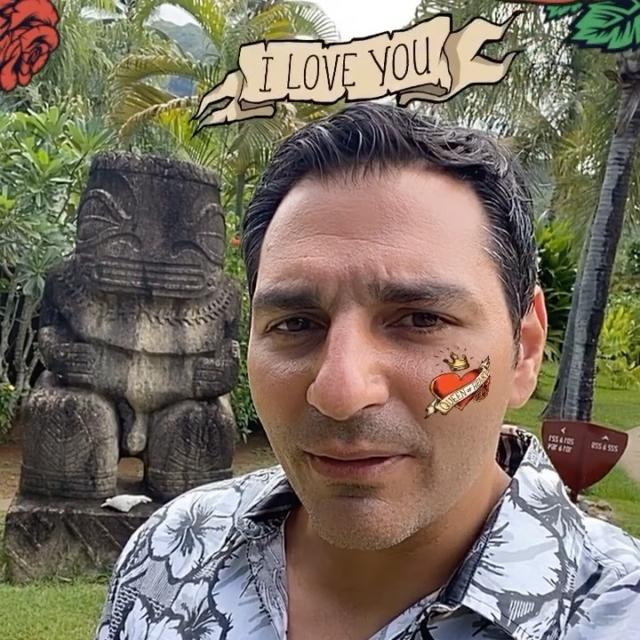 Happy Valentine ´s day with Interactive Studio from @manavamoorea - New filter available for the lover's #love #amour #saintvalentin #valentineday  #heart #instagramfilter #sparkarcreators #sparkar #tahiti #moorea